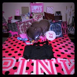 💕💕NWOT PINK VS DUFFLE BAG💕💕